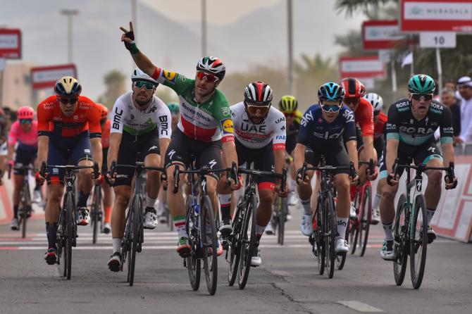 Colpo di reni vincente per Elia Viviani nella quinta frazione dellUAE Tour (foto Bettini)