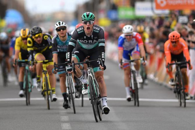 Dopo la doppietta firmata da Groenewegen arriva la vittoria di Sam Bennett nella terza frazione della Parigi-Nizza (Getty Images)