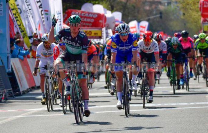 Sam Bennett inaugura con la vittoria la 55a edizione del Giro di Turchia (foto Bettini)