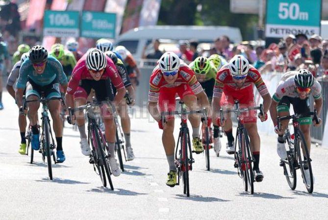 Marco Benfatto vince la frazione conclusiva della corsa malese (foto Bettini)