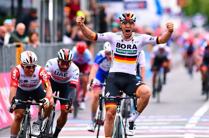 Pascal Ackermann vince allo sprint la prima tappa in linea del 102° Giro dItalia (foto Bettini)