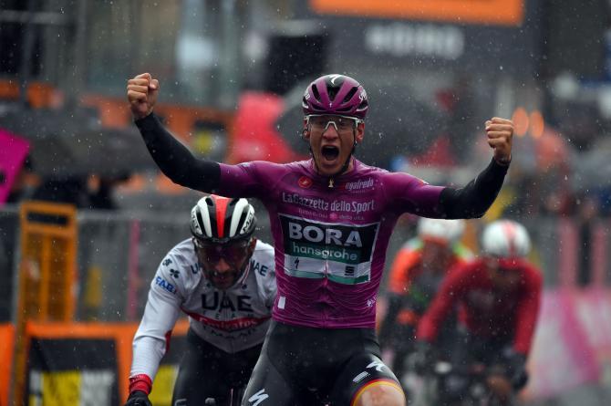 Sotto il diluvio Pascal Ackermann ottiene uno strepitoso bis sulle strade del Giro dItalia (foto Bettini)