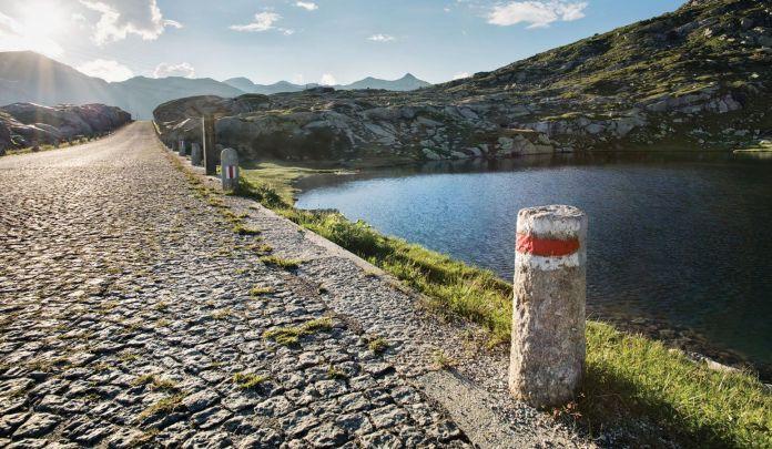 Il selciato del San Gottardo, salita regina delledizione 2019 del Tour de Suisse (www.ticino.ch)