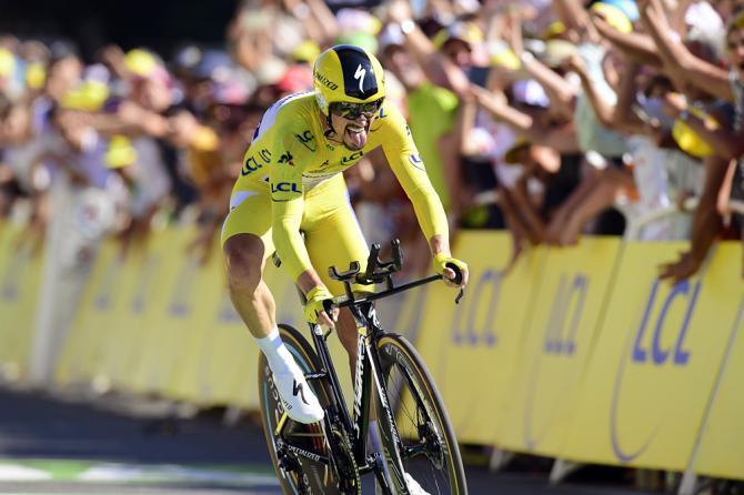 Alaphillippe vince anche la crono e conserva la maglia gialla alla vigilia del Tourmalet (foto Bettini)