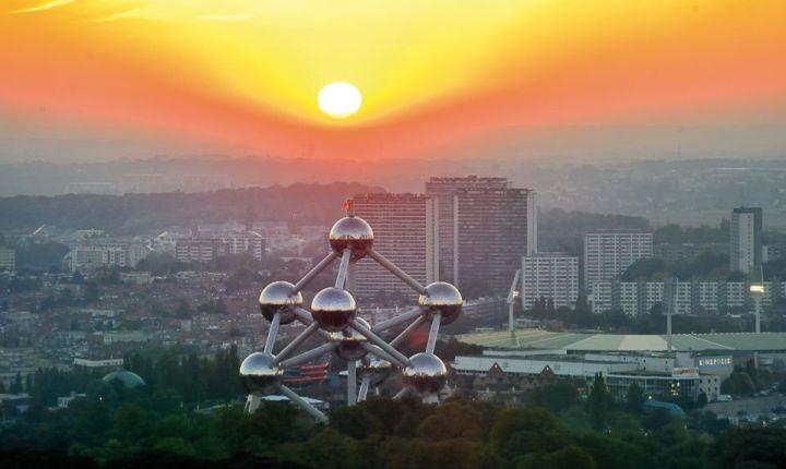 Bruxelles, lAtomium al tramonto (Pinterest)