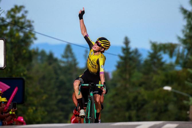 Jonas Vingegaard coglie la prima vittoria da professionista nella penultima frazione del Giro di Polonia (foto Bettini)