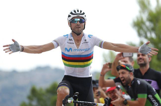 Alejandro Valverde svetta in cima al muro del Mas de la Costa (foto Bettini)