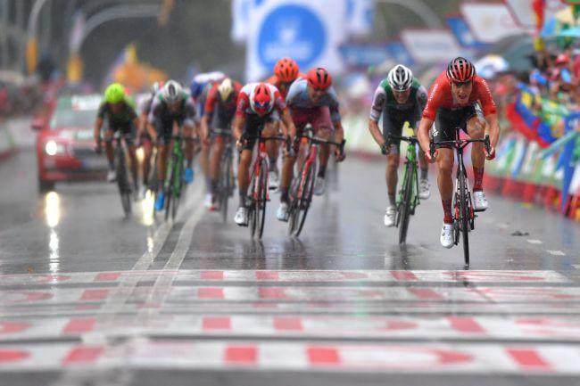 Vittoria sotto la pioggia per Nikias Arndt alla Vuelta a España (Getty Images)