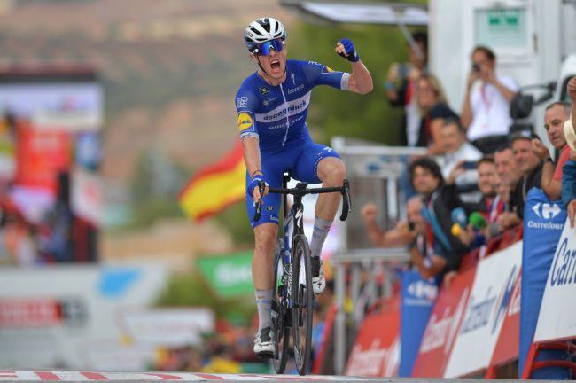 Il francese Cavagna resiste al ritorno del gruppo e vince sul difficile traguardo di Toledo (Getty Images Sport)