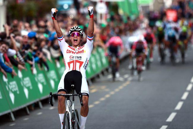 Il campione olandese Mathieu van der Poel vince in cima al muretto di Kendal (foto Bettini)