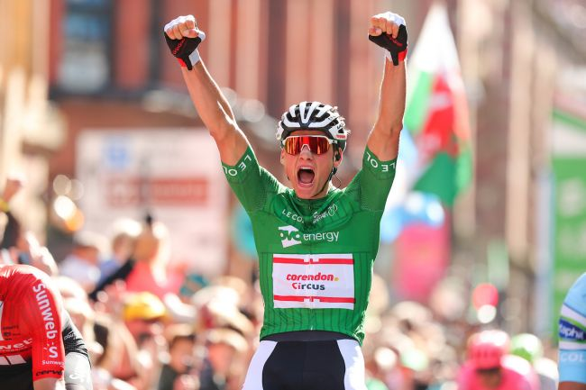 Il successo di Van der Poel nella frazione conclusiva (SWpix.com)