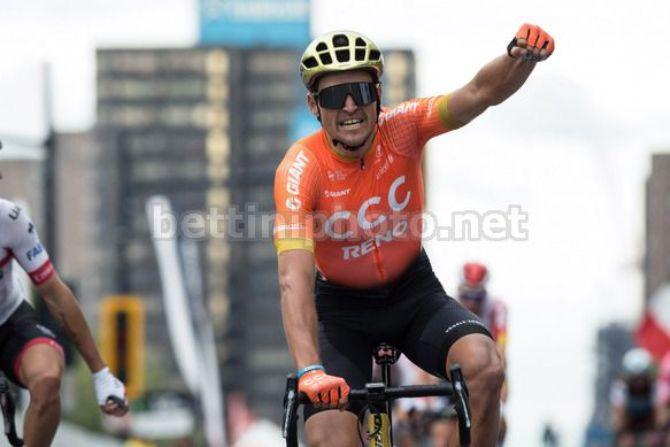 Greg Van Avermaet vince la seconda corsa canadese di settembre davanti a Diego Ulissi (foto Bettini)