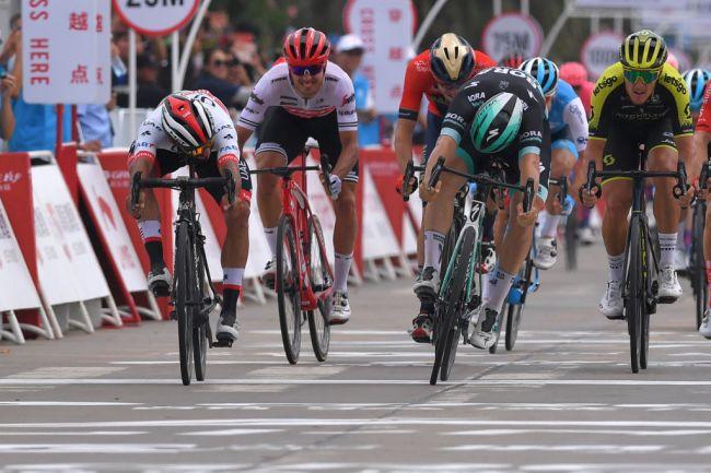 Fernando Gaviria torna al successo nella prima tappa della corsa cinese (Getty Images)