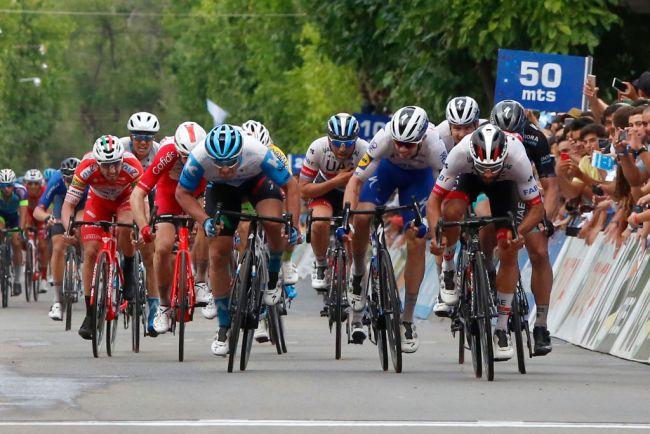 Dopo la stratosferica crono di Evenepoel, nella quarta tappa della Vuelta a San Juan arriva il bis allo sprint di Fernando Gaviria (Getty Images Sport)