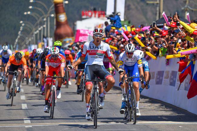 Sprint tutto colombiano sul traguardo di Duitama (foto Bettini)