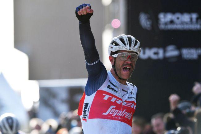 Jasper Stuyven vince ledizione 2020 dellOmloop Het Nieuwsblad (Getty Images)