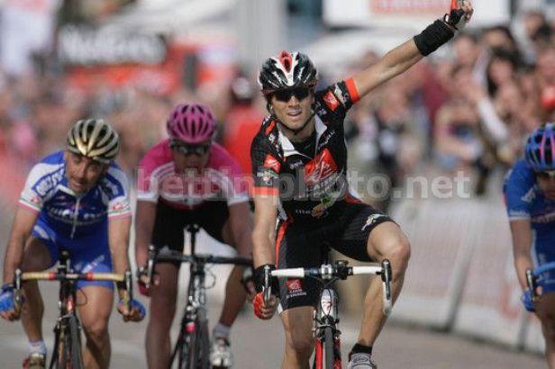 La prima delle quattro vittorie di Valverde alla Liegi, nel 2006 (foto Bettini)