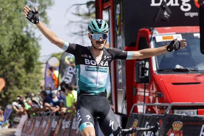 Felix Grossschartner vince la prima tappa della corsa iberica (foto Bettini)