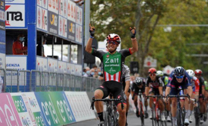 Colnaghi a segno nella seconda tappa del Giro dItalia Under 23 (www.photors.it)