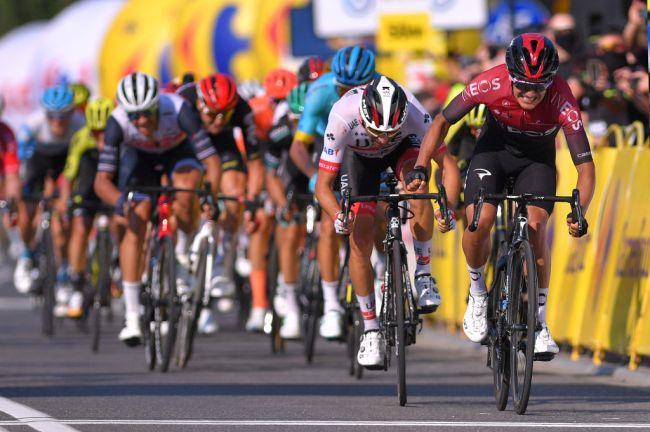 Vanamente contrastato da Ulissi, Carapaz si impone con uno scatto nel finale sul traguardo di Bielsko-Biała (Getty Images Sport)