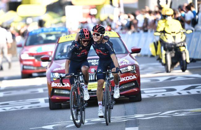 Kwiatkowski e Carapaz si abbracciano sul traguardo dellultima tappa di montagna del Tour 2020 (Getty Images Sport)