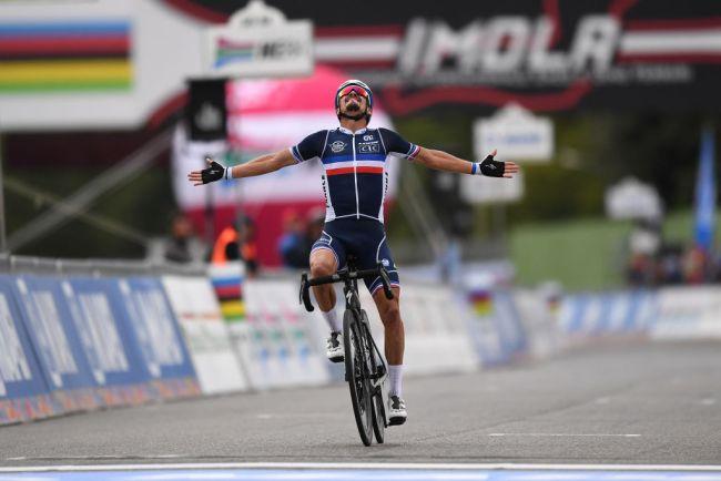 Julian Alaphilippe si impone nel mondiale e riporta in Francia la maglia iridata (Getty Images)